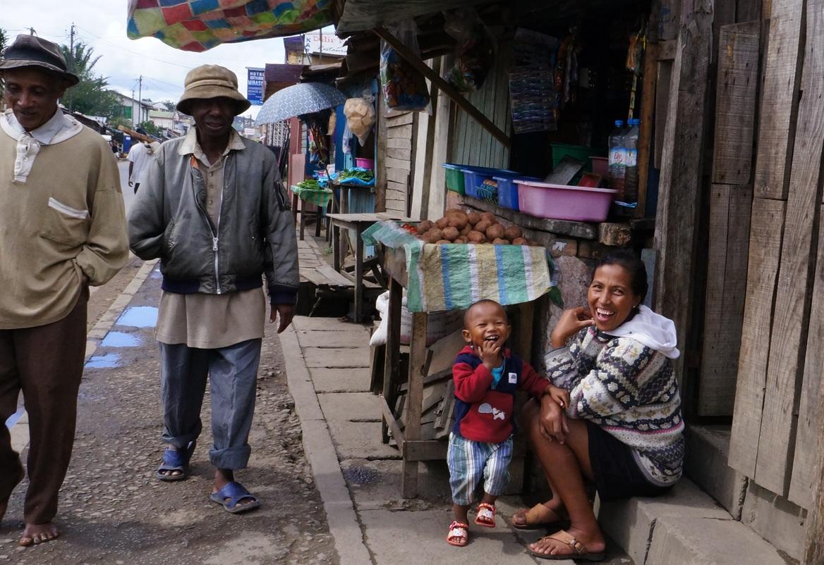 Nice Woman with Kid - Moramanga