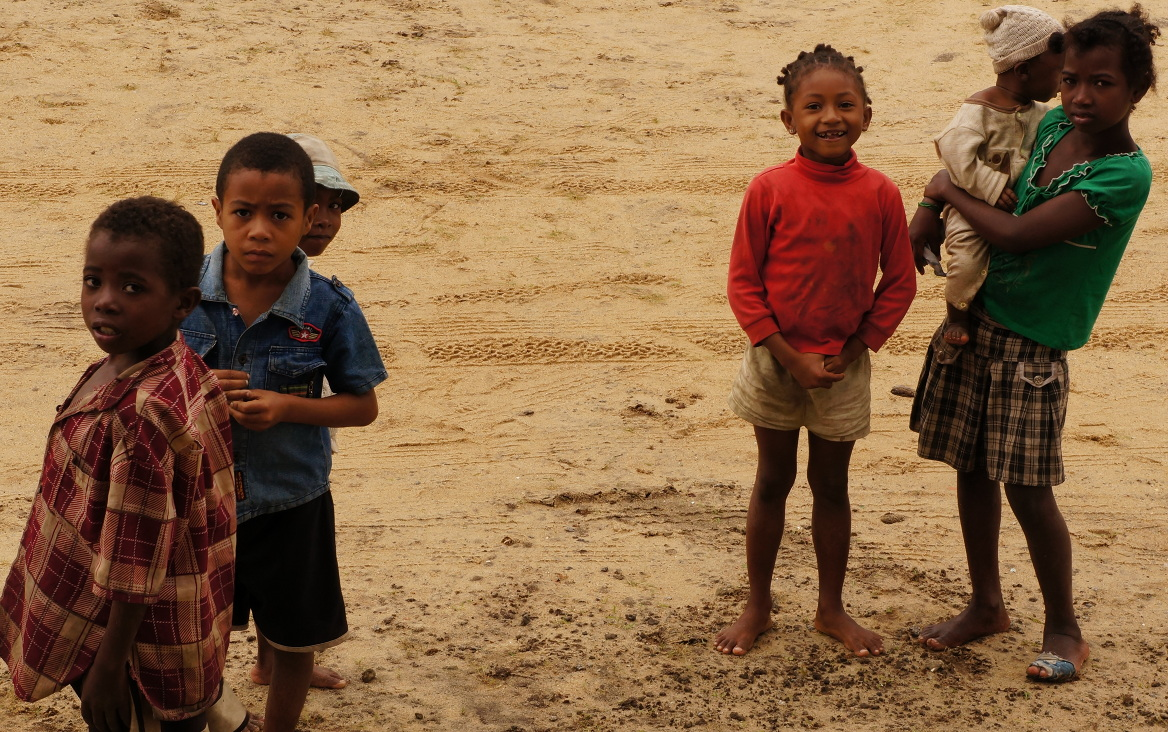 Maroantsetra airport - kids outside terminal