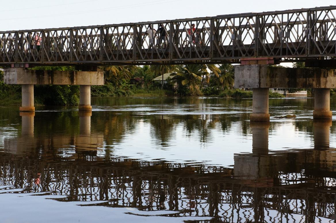 Maroantsetra - bridge life