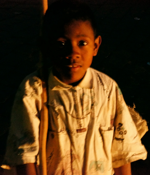 Antananarivo - street boy - bit of light