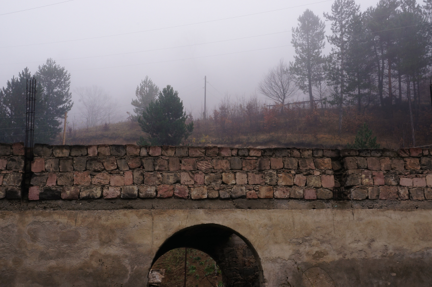 Armenia - Stone_bridge on road to Dilijan