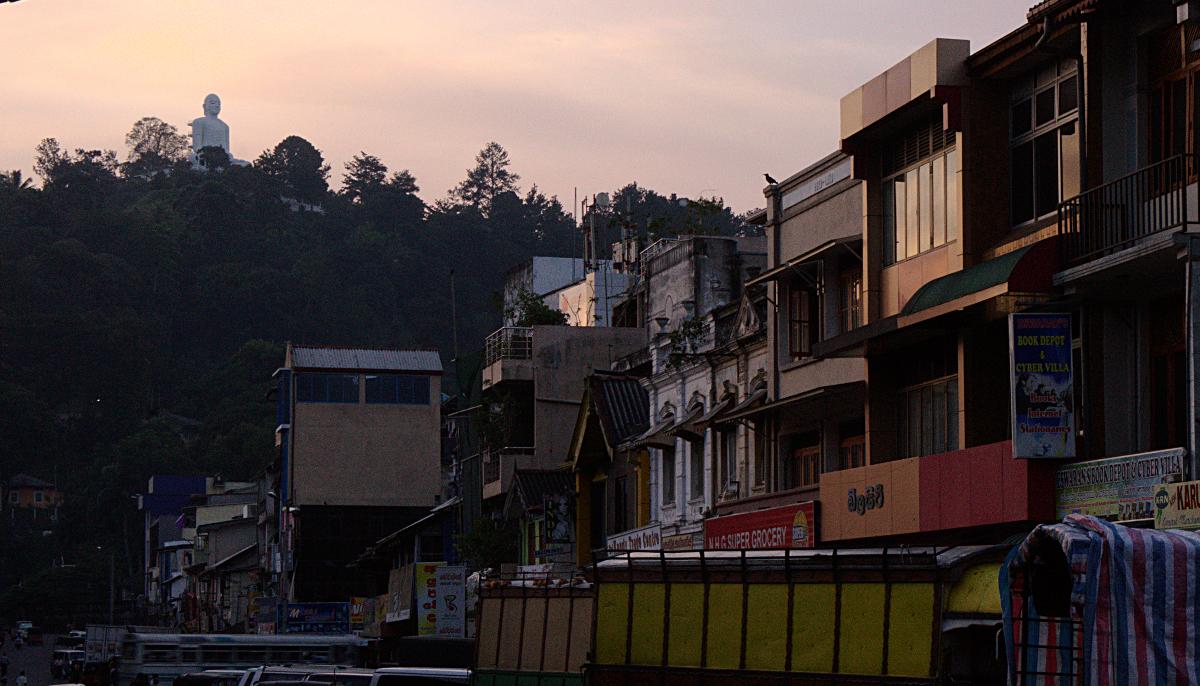 Kandy - Buddha on Hill