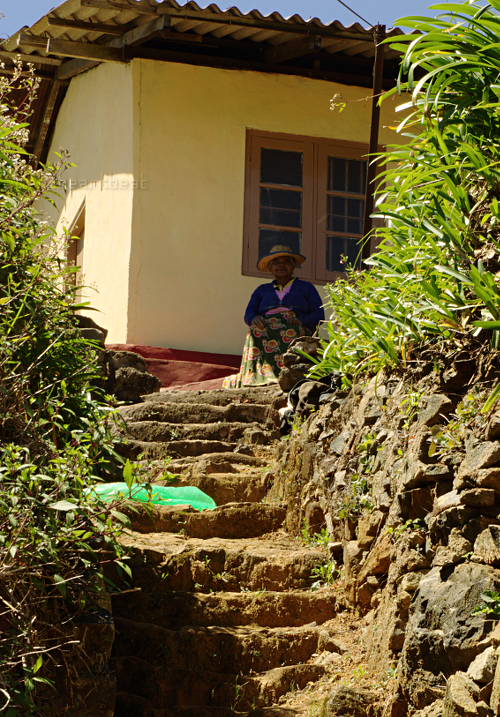 Shantipura - blind woman on steps