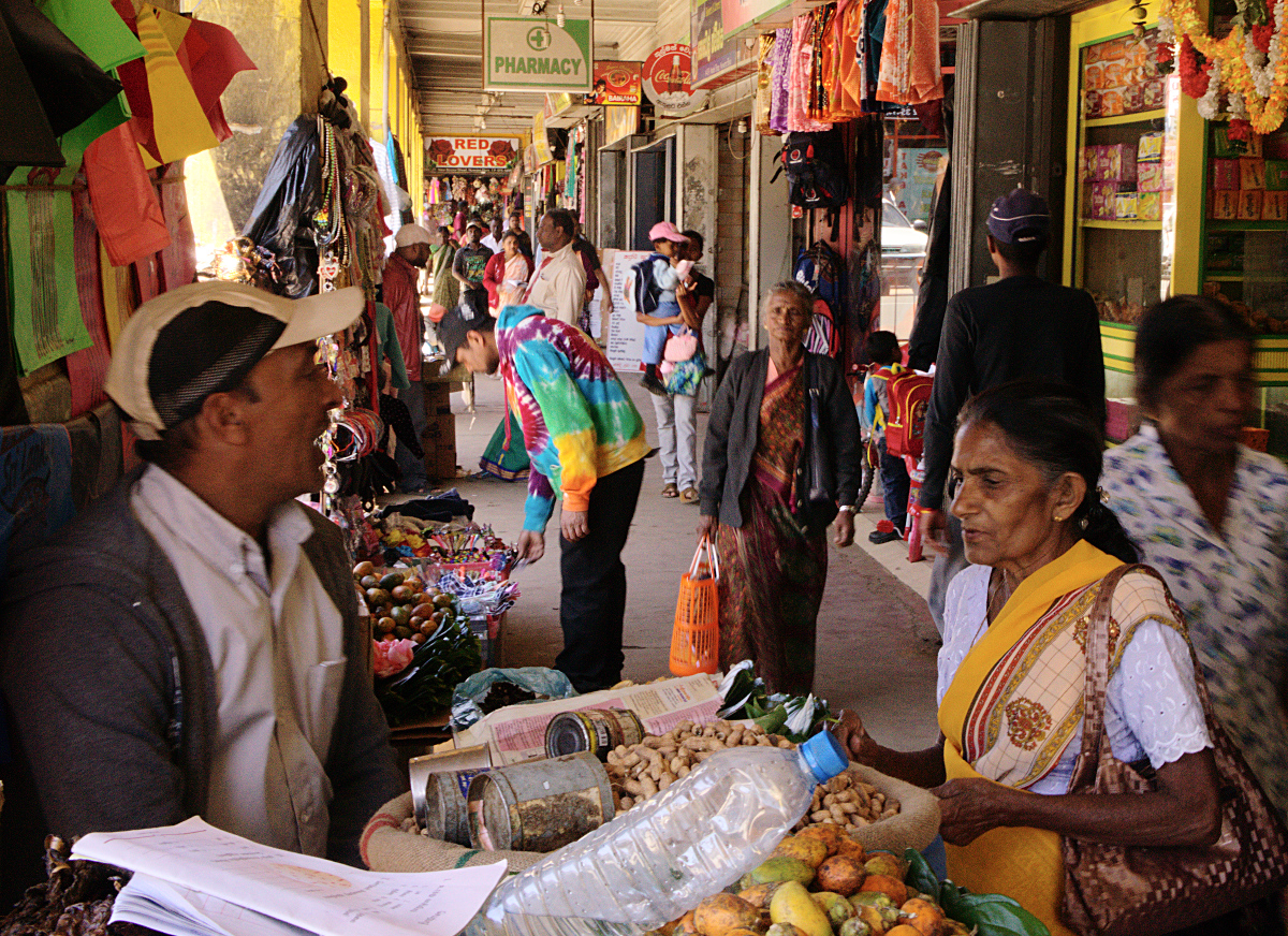 Sri Lanka,  Nuwara Eliya - Shops, Formal and Informal Markets