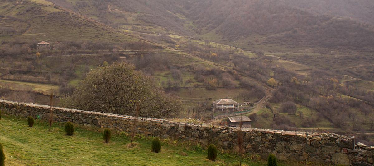 Haghpat - wall - mountains