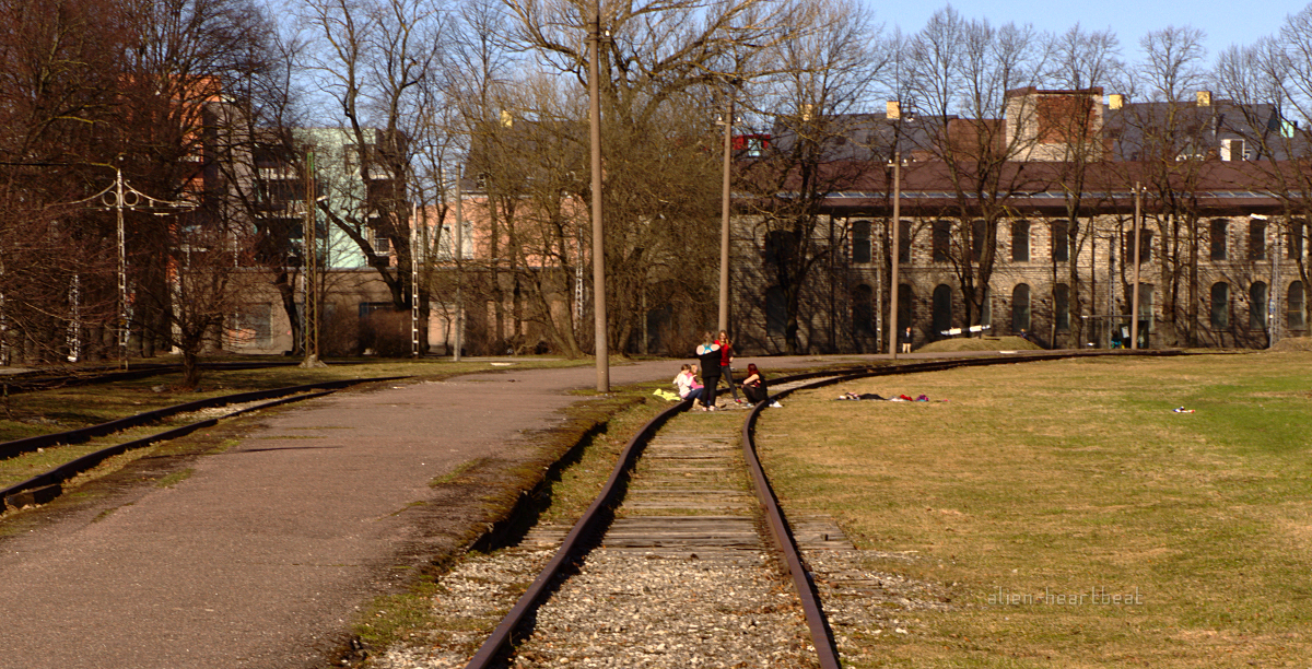 Tallinn - Spring - Kids on the Tracks