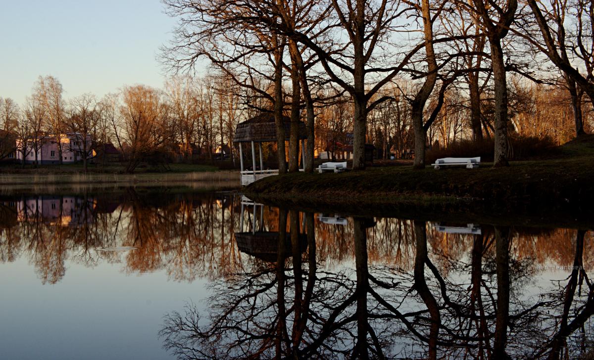 Estonia, Suure-Jaani: Gazebo on Lake